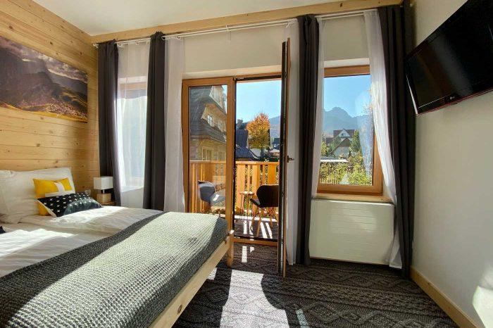 Piękny widok na Tatry, kameralny, idealny dla pary, w centrum Zakopanego Salon z balkonem 11